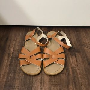 Woman's Salt Water Brown Sandals Size 9